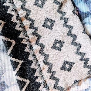 🧣 Wilfred Wool Diamond Blanket Scarf